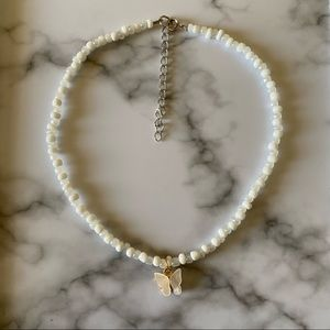 Butterfly cloudy beaded choker necklace